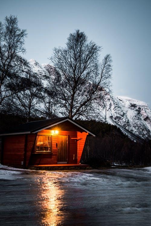 dům sníh