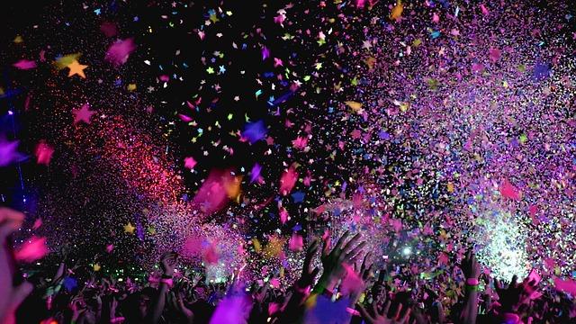 konfety na koncertě