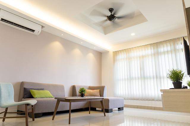 obývací pokoj, bílá podlaha