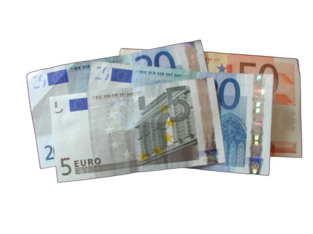 eurobankovky za sebou poskládané
